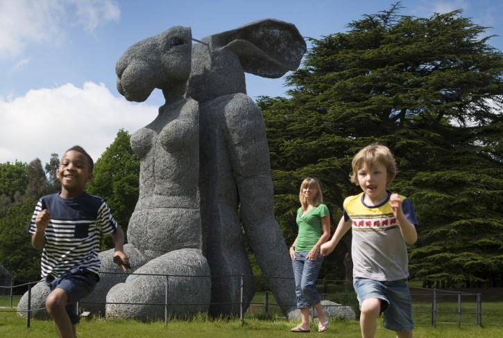 Sophie Ryder's 'Sitting' at Yorkshire Sculpture Park