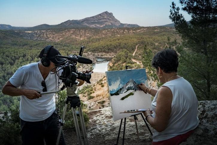 Phil Grabsky filming Monique Faillard at Mont Saint-Victoire for 'Cézanne – Portraits of a Life'
