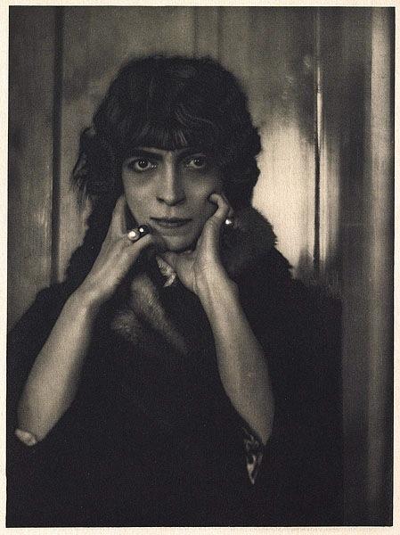 1919, photograph by Adolf de Meyer (1868–1946)
