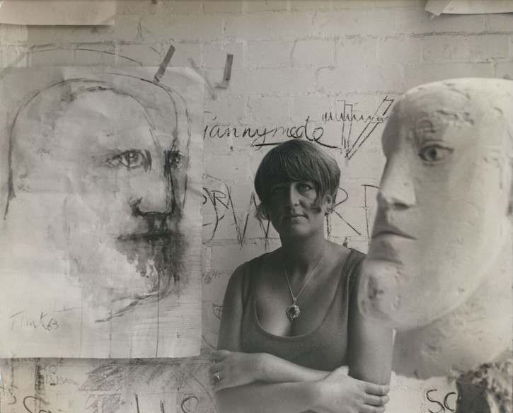 Elisabeth Frink with 'Soldiers Head'