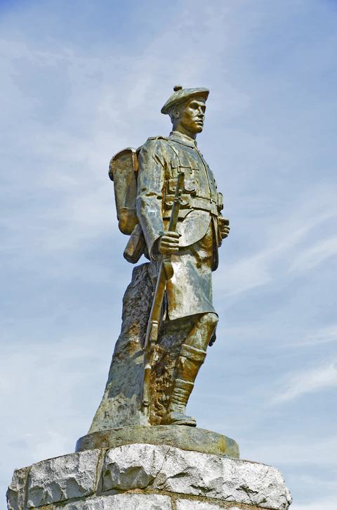 Inveraray War Memorial, Loch Fyne, Inveraray