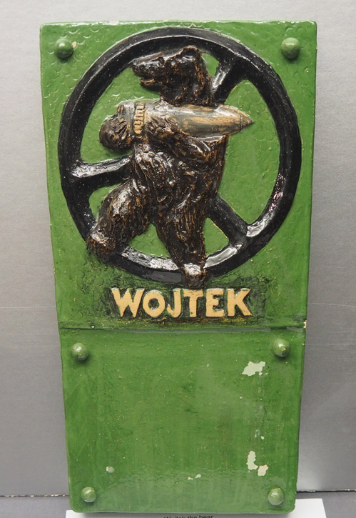Plaque of Wojtek the bear