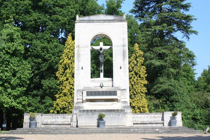 Beaumont College War Memorial, Windsor