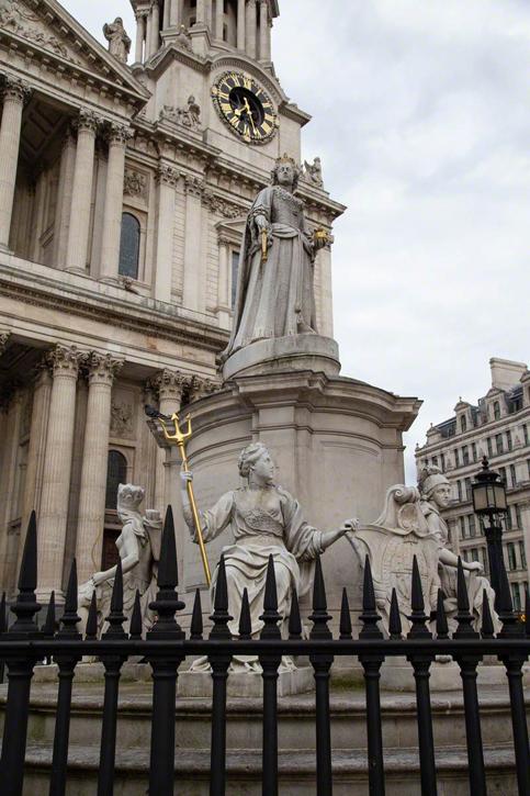 Louis Auguste Malempré (c.1820–1888) and Richard Claude Belt (1851–1920), St Paul's Churchyard, City of London