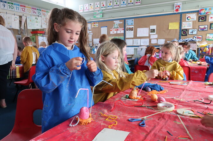 Y1 pupils experiment with different materials for their egg sculptures