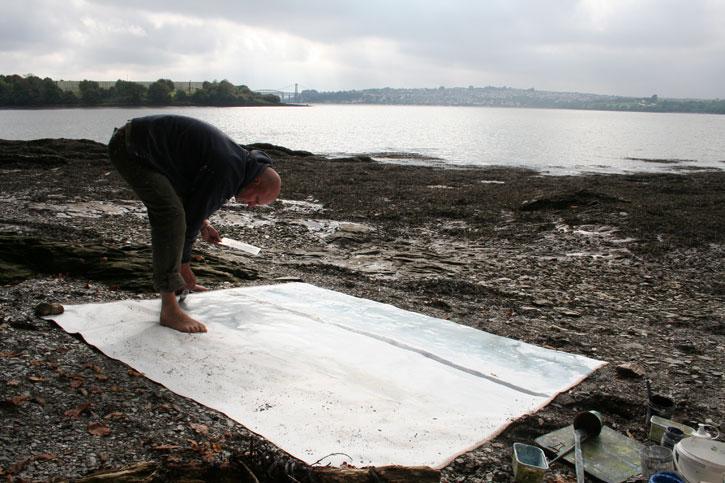 Kurt Jackson working on the River Tamar