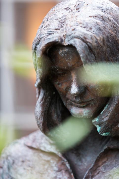 Statue of Maggie Keswick Jencks