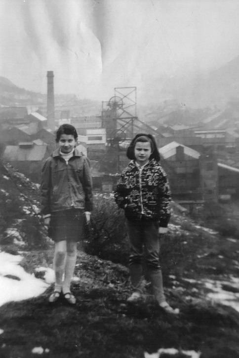 Sisters Allison Macklin and Marion Evans, daughters of Robert Morgan, at a coal mine in Penrhceiwber