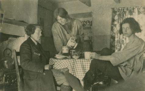 Vera 'Jack' Holme (left) and Dorothy Johnstone (standing)