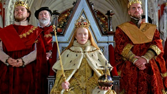 Still of Cate Blanchett as Elizabeth I in 'Elizabeth' (1998)