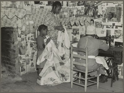 Sewing a Quilt, Gees Bend, Alabama (Jennie Pettway and another girl with the quilter Jorena Pettway)