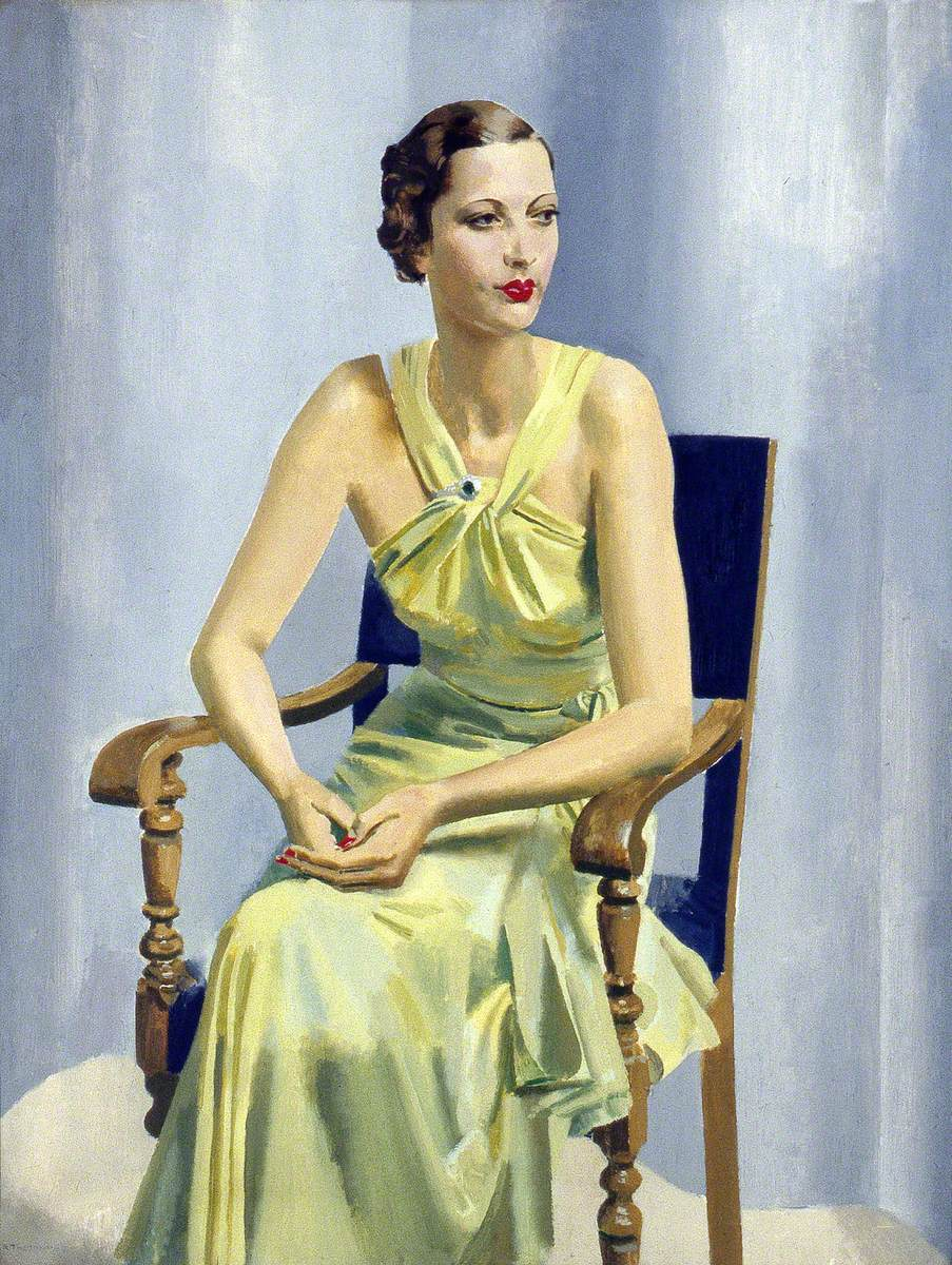 Mrs Vivienne Hilliard