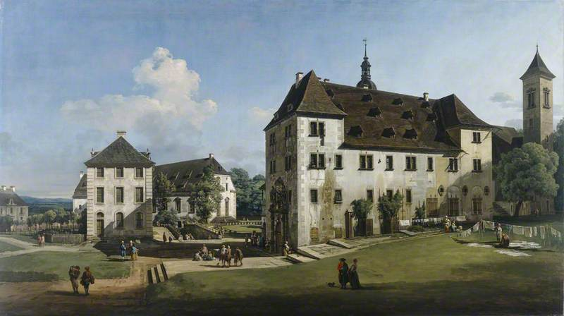 The Fortress of Konigstein: Courtyard with the Magdalenenburg