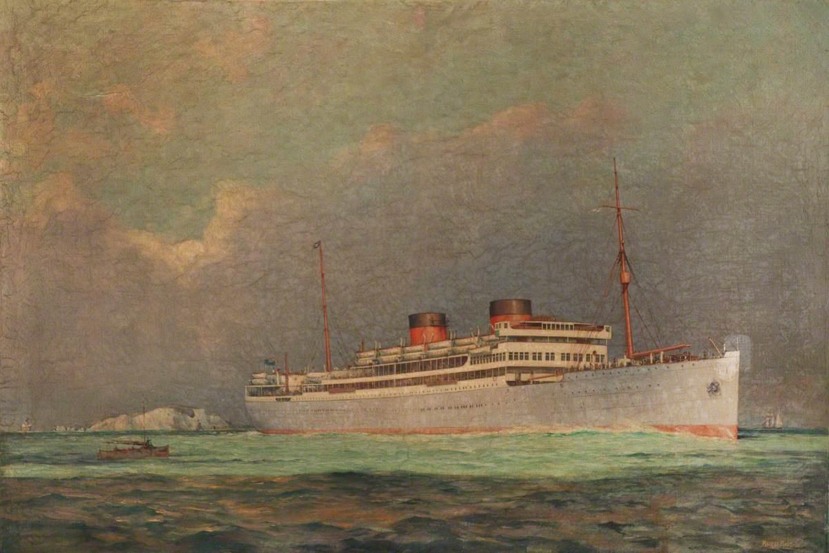 The Union Castle Steamship 'Carnarvon Castle' off the Needles