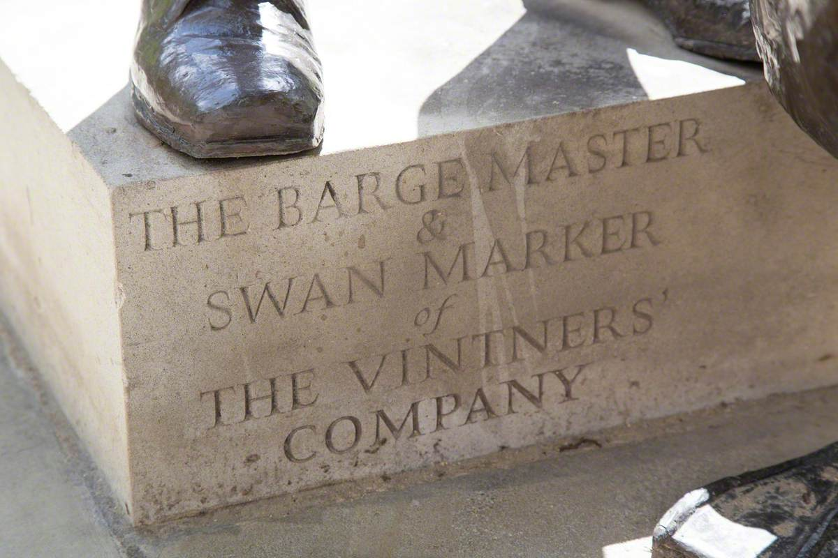 Swan Marker and Barge Master