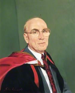 Mr William Hart, BA, MPhil, Principal of Southlands College (1985–1993)
