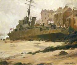 HMS 'Wave' Ashore at St Ives, 1952