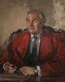 Sir William John Hughes Butterfield (1920–2000), OBE, MA, DM, MD, LLD, FRCP, Vice-Chancellor (1971–1975)