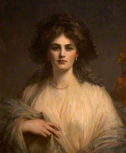 Lady Beatrice Butler (1876–1952), Lady Pole-Carew