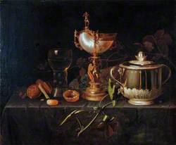 Porringer and Nautilus Cup