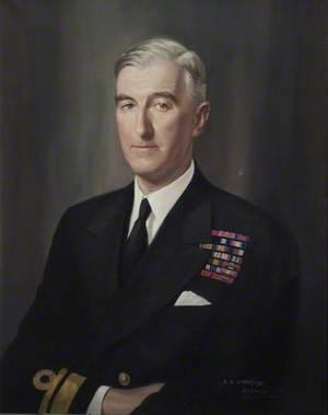 Vice-Admiral C. E. Douglas-Pennant (1894–1961), CB, CBE, DSO, DSC, Commandant (1946–1948)