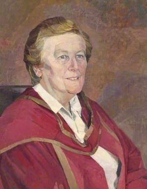 Dr Elizabeth Edwards, Warden of St Andrew's Hall (1967–1987)