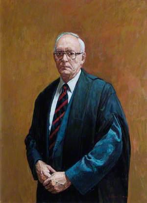 Dr Bruce B. MacGillivray