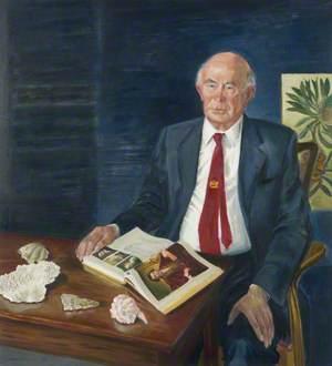 Sir David Smith (b.1930)
