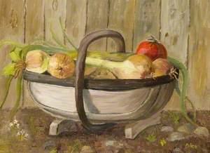 Garden Trug with Onions