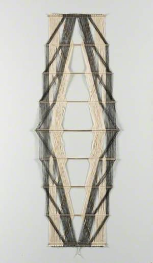 Macrogauge Hanging No. 19