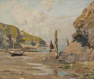 Port Gavern at Low Tide