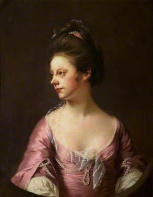 Mrs Catherine Swindell