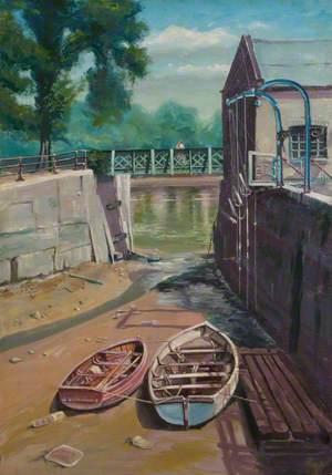 Beverley Brook, Putney Embankment, London