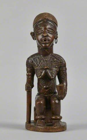 Seated figure of a chieftainess