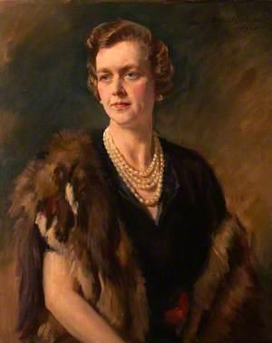 Cynthia Mary Burns  (d.1977), Lady Carew Pole