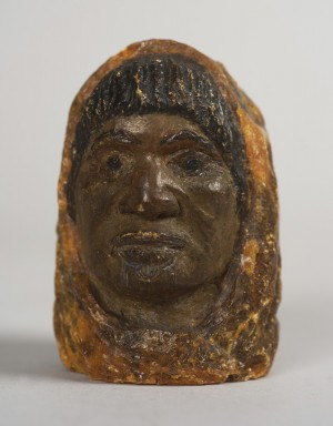 Figure of a Māori Woman