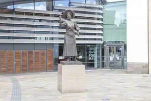 Alice Hawkins (1863–1946)