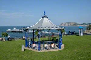 Alice in Wonderland Bandstand