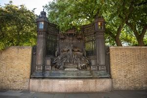 Memorial to Queen Alexandra (1844–1925)