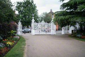 Vivary Park Entrance Gates