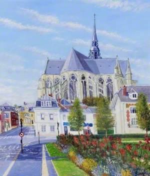La basilique vue des Champs Elysées, Saint-Quentin, France