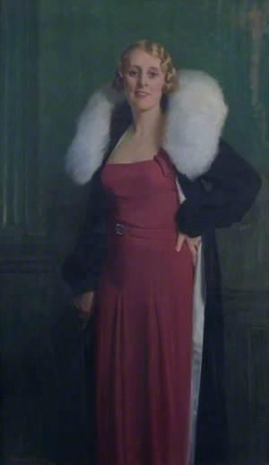 Lady Helene Paris Chapman, née MacGowan