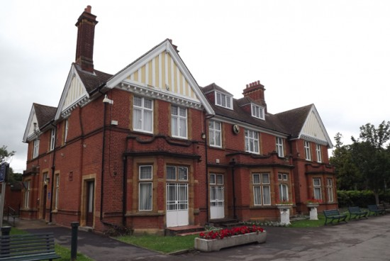Ewell Court Library
