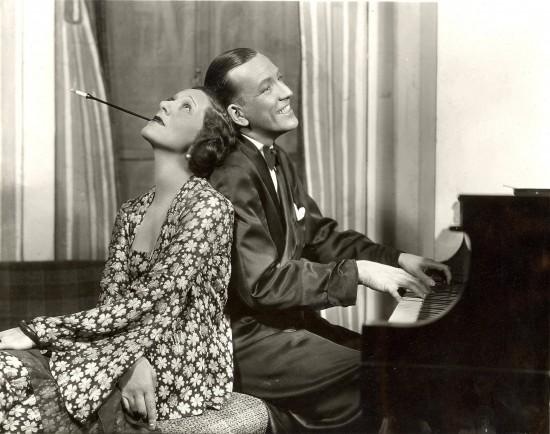 Gertrude_Lawrence_Noel_Coward_PL_at_piano_Vandamm_jpg