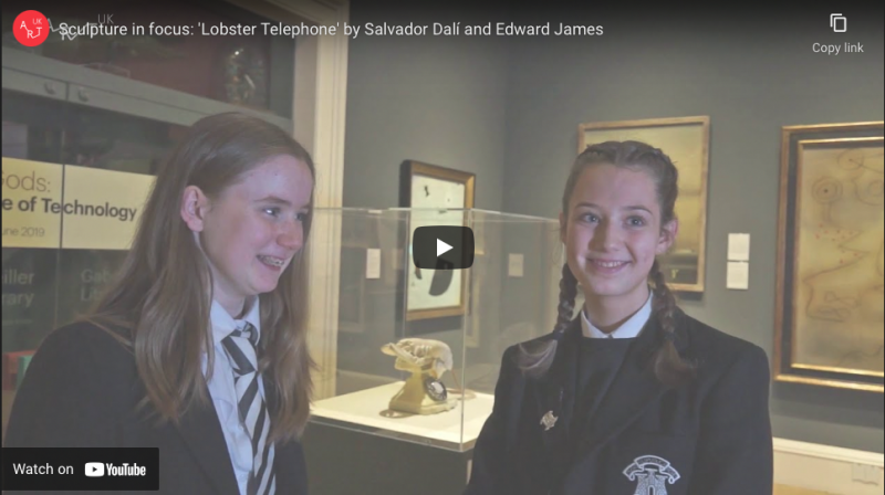 Sculpture in focus 'Lobster Telephone'
