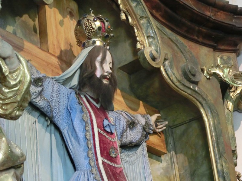 Statue of Saint Wilgefortis in Prague