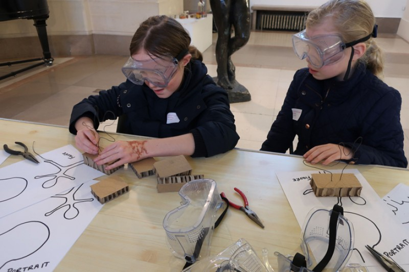 Children at Southampton City Art Gallery try out sculpture making