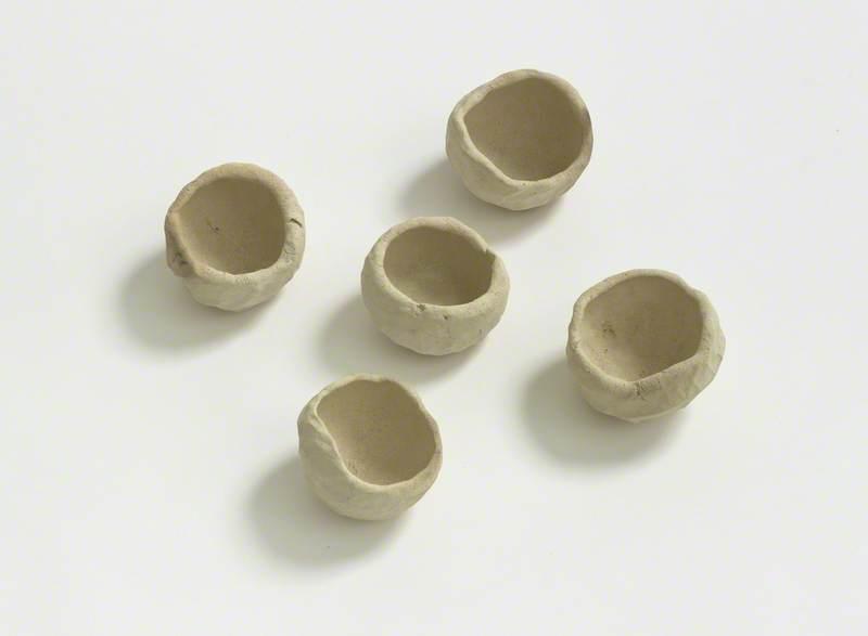 A Selection of Five Pots, VII (250grms), IX (250grms), XI (210grms), X (240 grms), VIII (190grms)