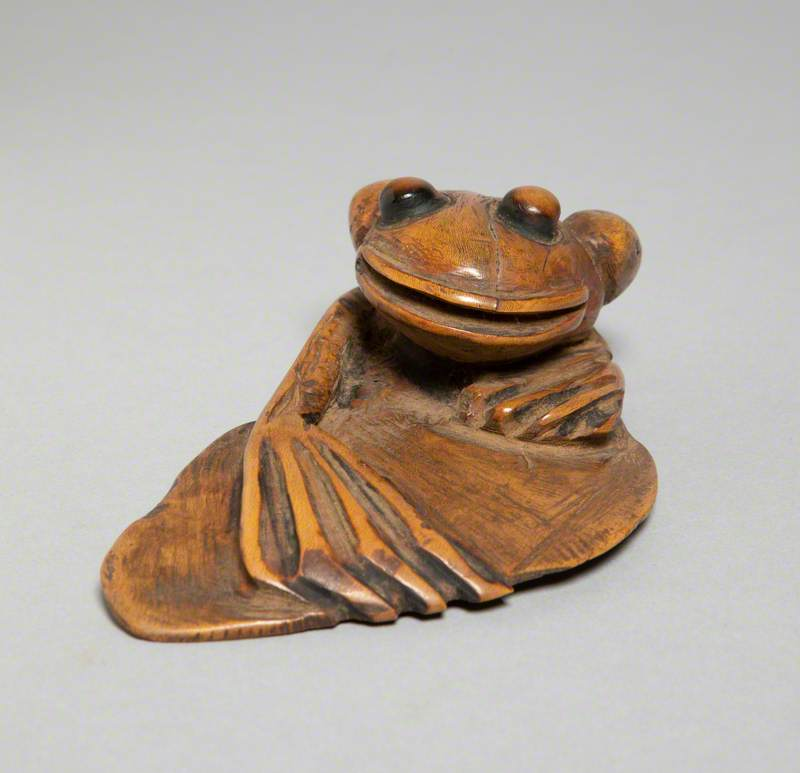 Frog Paperweight of Holly