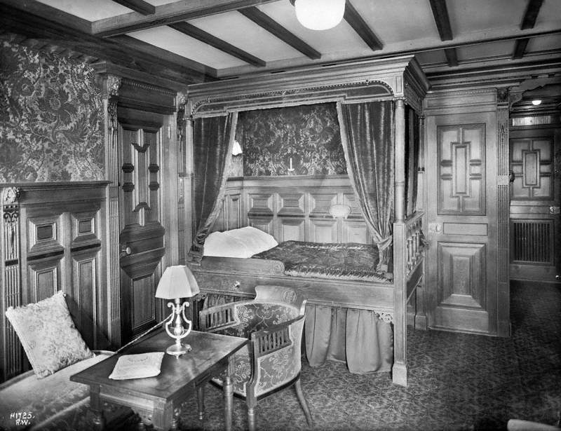 First class suite bedroom B59